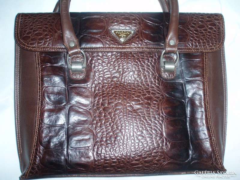 Gyönyörű vintage PRADA kézitáska - Wardrobe  936aded740